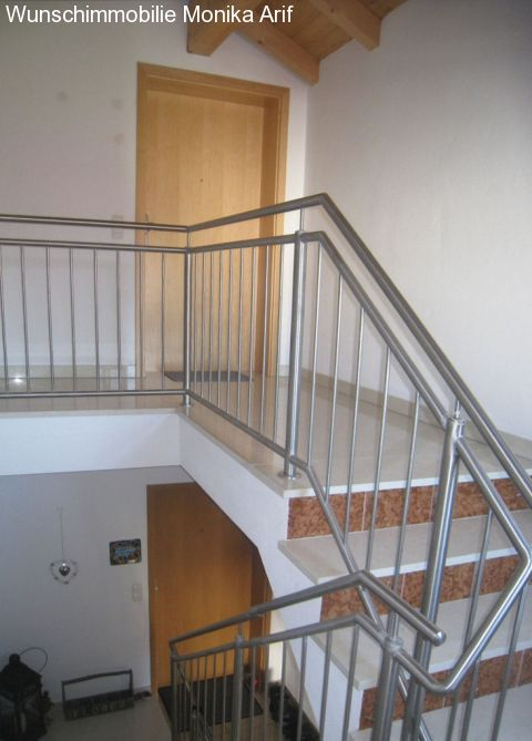 immobilien feldkirchen westerham sch ner wohnen neubauwohnung mit sichtdachstuhl. Black Bedroom Furniture Sets. Home Design Ideas